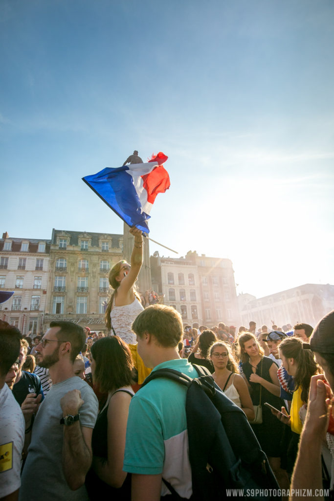 finale coupe du monde 2018, les bleus, l'équipe de france, fifa world cup, world cup, football, supporter, football fan, grand place de lille france photo photographe evenementiel sportif