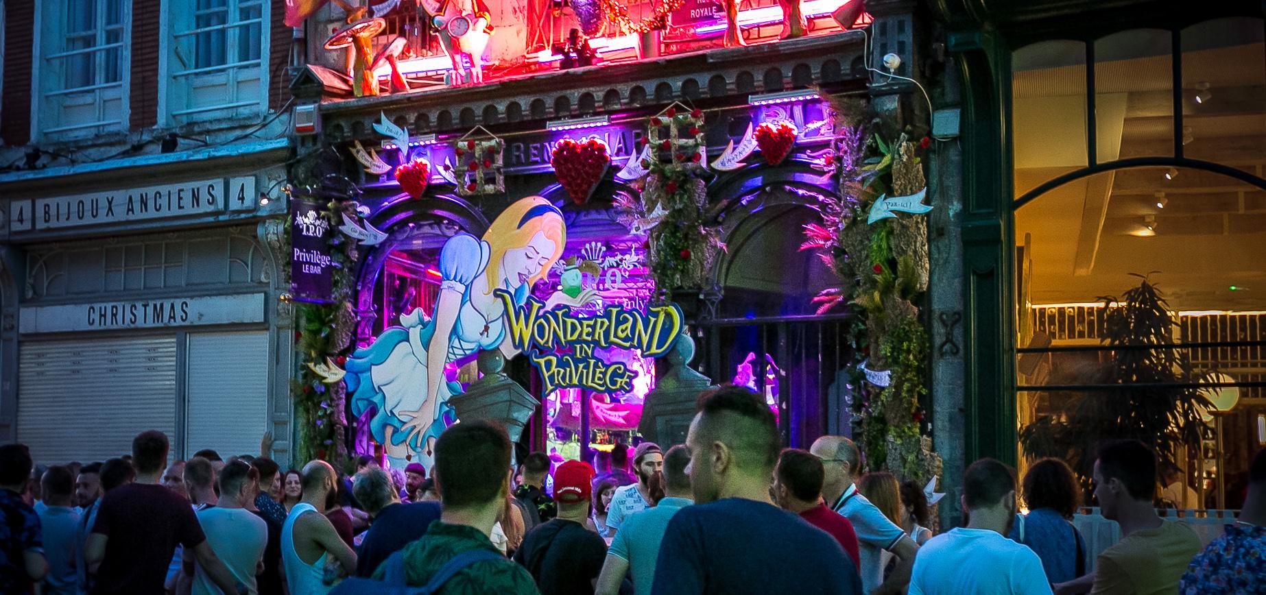 deco gaypride 2019 facade du privilege à lille wonderland in privilege